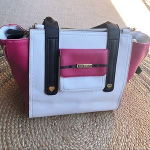 Betsey Johnson pink and white tote